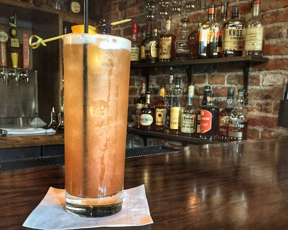 Volstead Bar & Speakeasy Singapore Sling